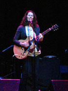 Edie Brickell photo
