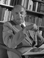 Peter Drucker photo